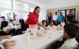 entrega-dif-badeba-mas-de-40-mil-raciones-de-alimentos-a-77-escuelas