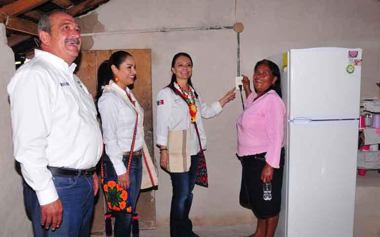 lleva-gobierno-servicios-a-comunidades-serranas