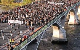 marchan-en-francia-en-contra-de-la-violencia