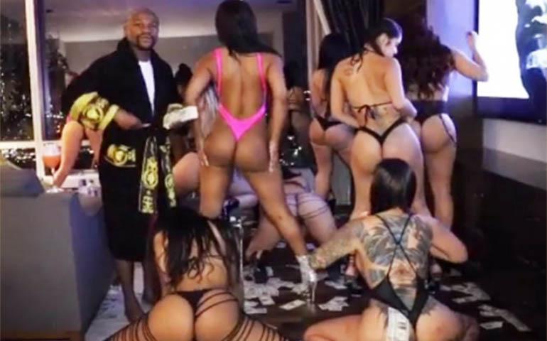 mayweather-presume-fiesta-loca-con-sexy-mujeres
