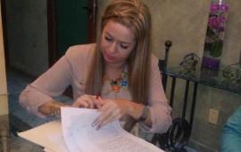 primer-firma-de-escrituras-de-las-fincas-residencial3