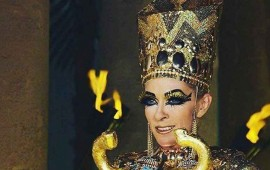tachan-a-yuri-de-satanica-por-el-vestuario-egipcio-de-su-nuevo-video