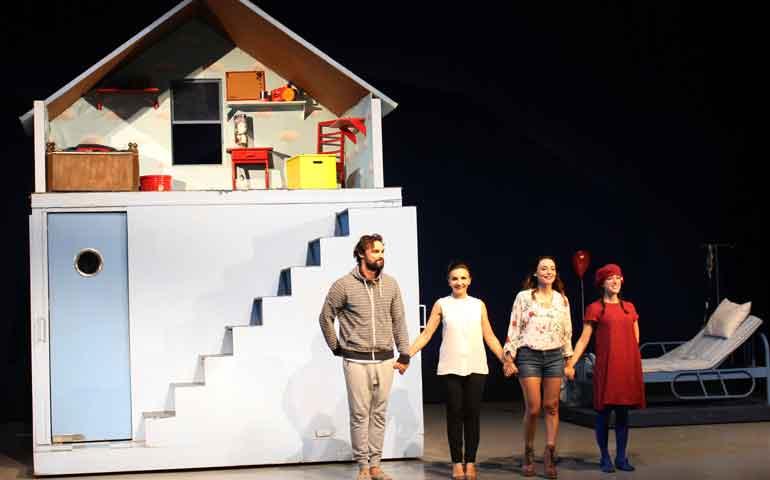 teatro-del-pueblo-presenta-nunca-es-tarde-para-aprender-frances12