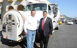 tepic-agradece-a-gobierno-los-tres-camiones-vactor