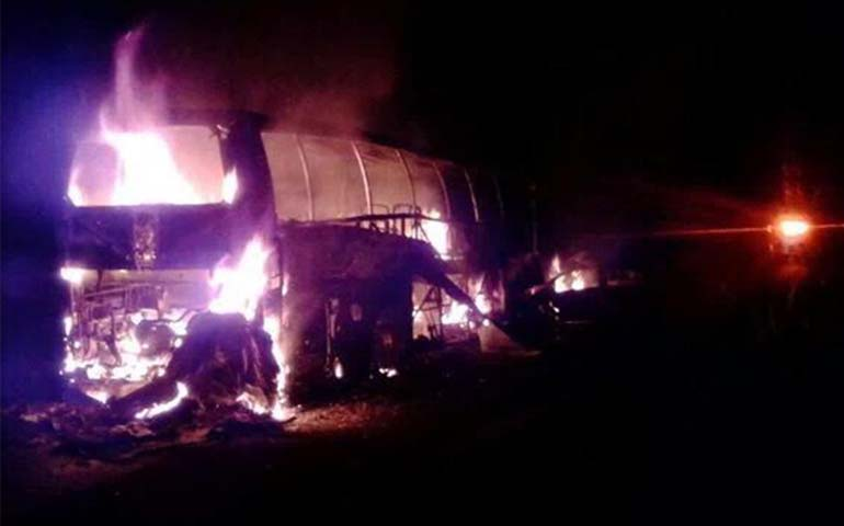 tragedia-en-la-carretera-mexico-tuxpan-al-menos-20-calcinados