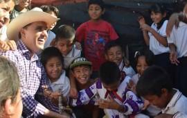 agradecen-a-gobernador-por-servicios-publicos-y-escuelas-en-tepic