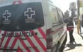 en-ambulancia-de-la-cruz-roja-venden-calcetines