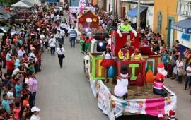 grandioso-desfile-de-navidad-organizo-el-dif-de-bahia-de-banderas
