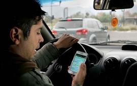 inicia-en-tepic-campana-para-evitar-el-uso-del-celular-al-conducir