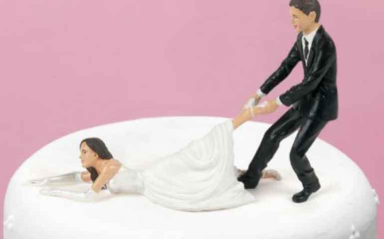 mujeres-inteligentes-tardan-mas-en-casarse-estudio