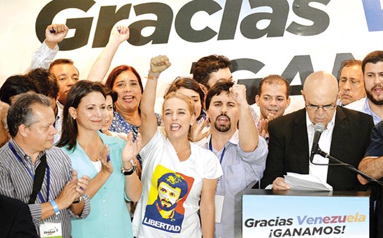 oposicion-venezolana-logra-rotunda-victoria-en-elecciones