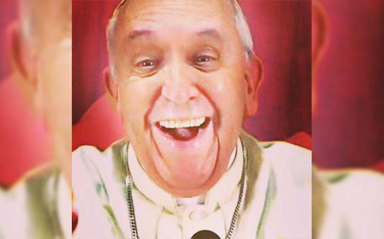 papa-francisco-se-toma-su-primera-selfie-para-instagram