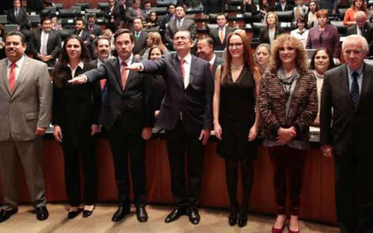 senado-aprueba-designaciones-de-6-embajadores-y-2-consules