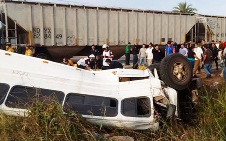 tren-embiste-a-camion-en-mazatlan-hay-4-muertos-y-23-heridos