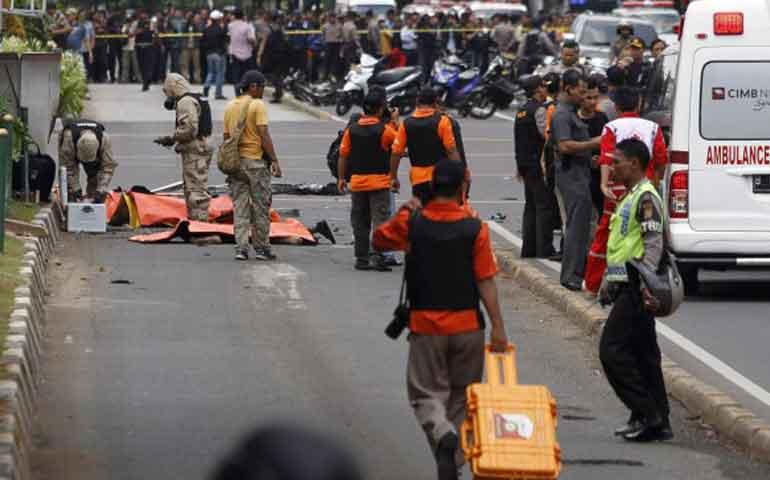 ataque-suicida-en-una-cafeteria-de-yakarta-deja-siete-muertos