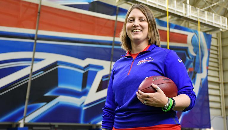 bills-presentan-a-la-primera-coach-asistente-en-nfl