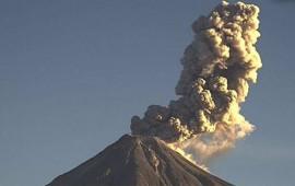 columna-de-ceniza-del-volcan-de-colima-alcanza-los-mil-500-metros