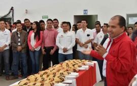 comparte-jose-gomez-la-tradicional-rosca-de-reyes