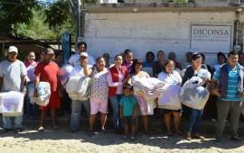dif-bahia-de-banderas-dona-cobertores-a-comunidades-mas-vulnerables