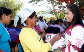 dif-nayarit-beneficia-a-las-familias-de-el-nayar