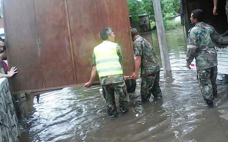inundaciones-deja-mas-de-23-mil-desplazados-en-uruguay