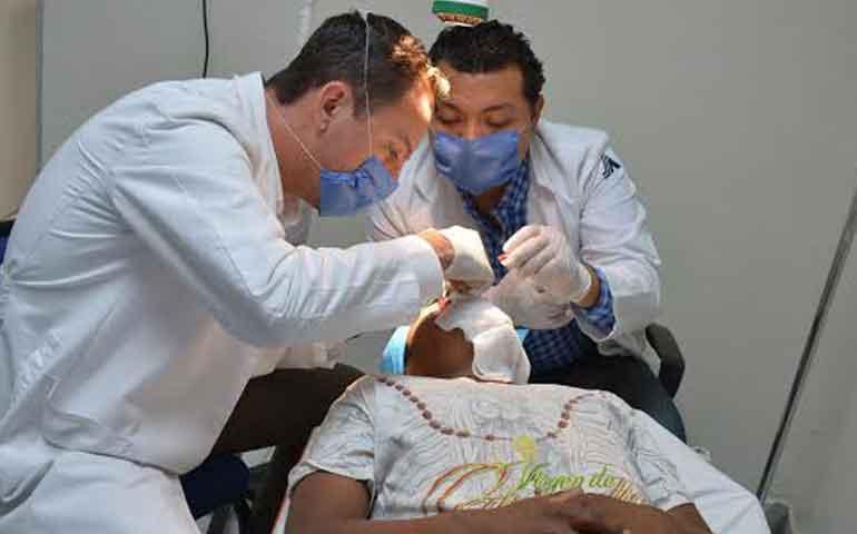 lleva-gobierno-servicios-medicos-especializados-a-la-yesca