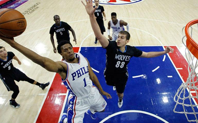 los-sixers-de-philadelphia-derrotan-a-wolves