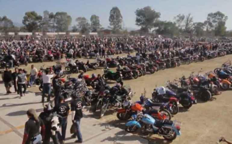 motociclistas-realizan-caravana-anual-a-hostotipaquillo
