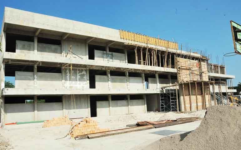 notables-avances-en-construccion-de-edificios-de-la-prepa-13