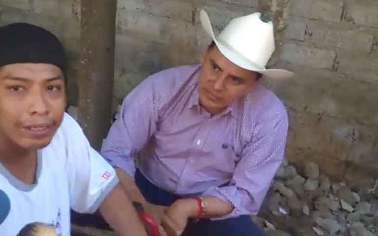 se-beneficia-a-afectados-por-el-desbordamiento-del-rio-ameca