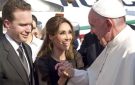 anahi-muestra-mas-que-su-encuentro-con-el-papa-francisco