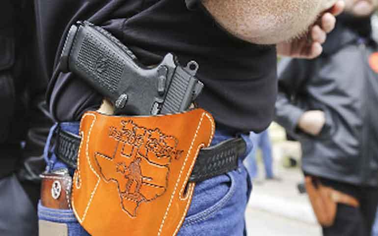 avanza-ley-que-permite-portar-armas-en-universidades