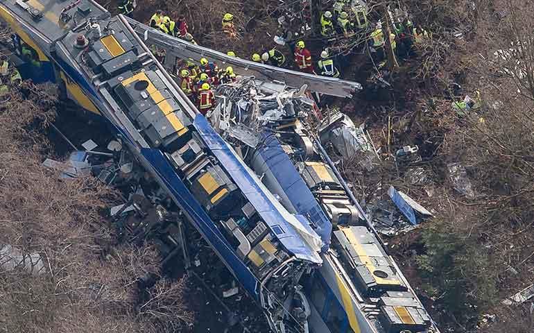 choque-de-trenes-en-alemania-deja-al-menos-9-muertos