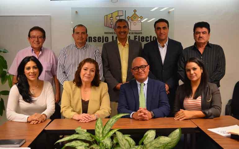 consejeros-electorales-se-reunen-con-el-director-del-centro-de-capacitacion-judicial