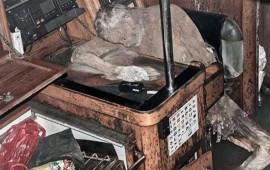 encuentran-a-un-naufrago-momificado-junto-a-su-radio