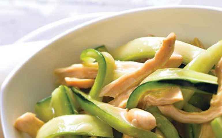 ensalada-de-pollo-y-cacahuate