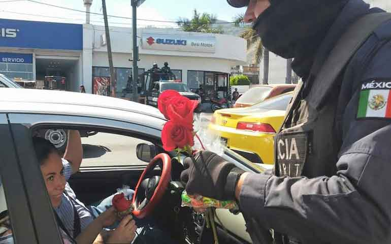 fiscalia-y-policia-nayarit-agradecen-confianza-a-familias-nayaritas