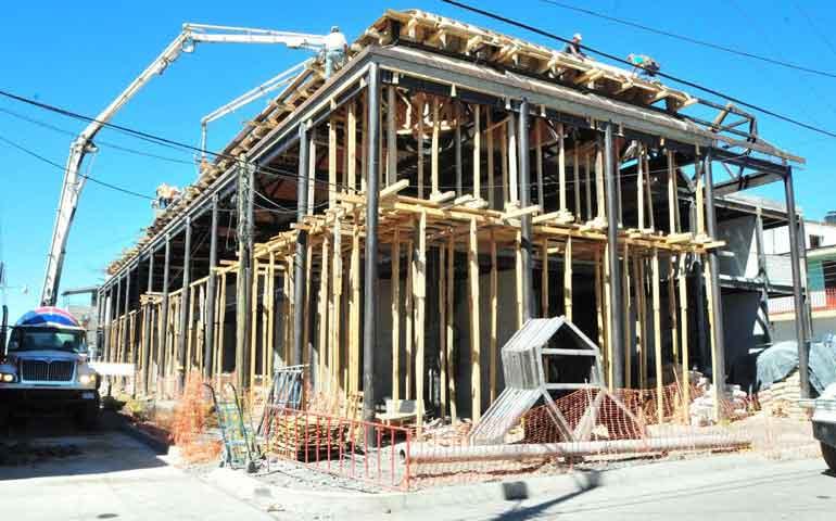 registra-60-de-avance-el-nuevo-mercado-de-ixtlan-del-rio