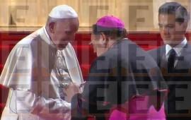 revela-el-obispo-de-tepic-por-que-utiliza-la-misma-cruz-que-el-papa