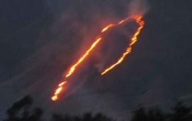 se-registra-fuerte-incendio-en-el-cerro-de-san-juan