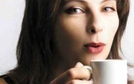 tomar-mucho-cafe-reduce-el-tamano-de-los-senos-estudio