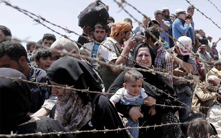 turquia-abre-su-frontera-a-refugiados-sirios-heridos