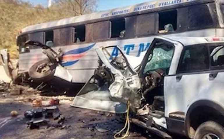 accidente-carretero-en-bahia-de-banderas-deja-un-muerto