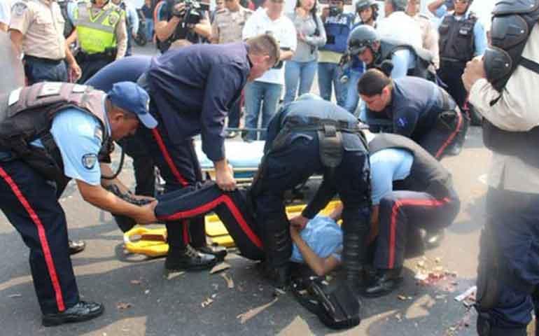 arrollan-y-matan-a-dos-policias-durante-protesta-en-venezuela