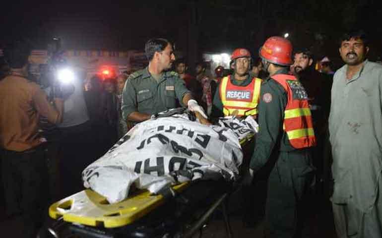 atentado-en-parque-publico-deja-mas-de-60-muertos-en-pakistan