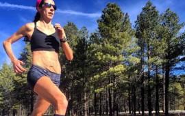 atleta-reta-los-estereotipos-al-presumir-su-vientre-despues-del-embarazo