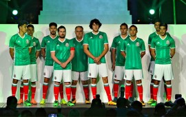 el-tricolor-presenta-nueva-playera