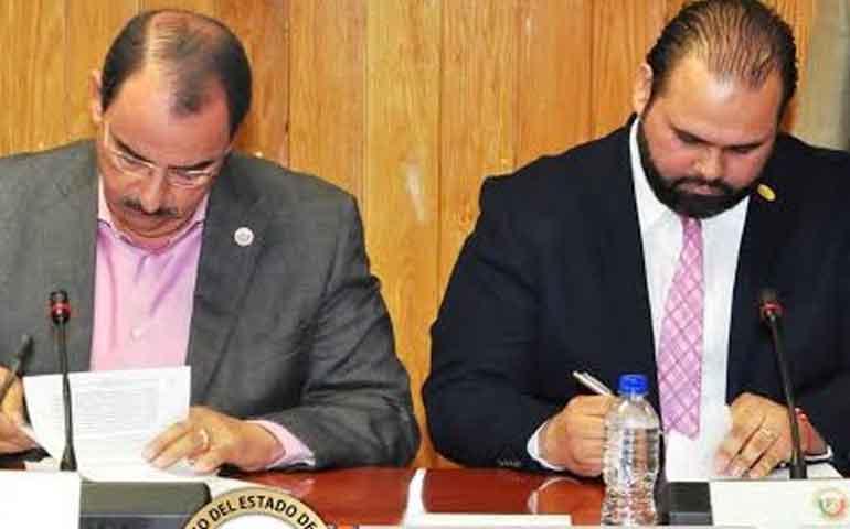 firma-congreso-convenio-de-colaboracion-con-cmic