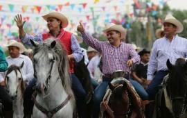 gran-cabalgata-inaugural-en-la-expo-regional-ganadera-2016