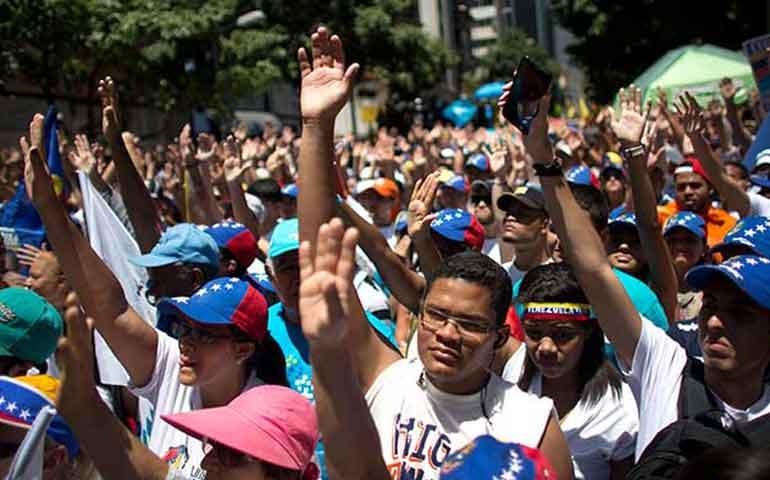 marchan-en-venezuela-para-exigir-renuncia-de-maduro